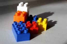 photo of small pile of LEGO blocks