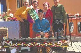 photo of performers from Kultura Kapwa