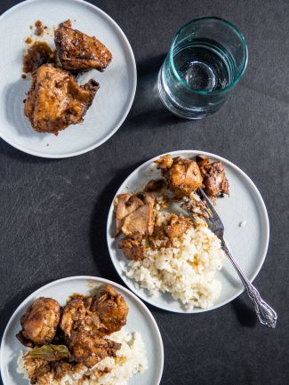 A picture of chicken adobo