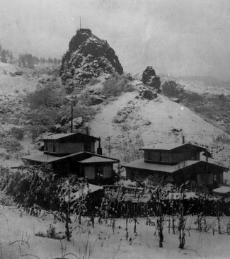Cragmont Rock, 1921 Snow storm