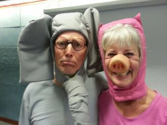 photo of Steve Page and Gail Blum in Elephant and Piggie costume; from their Facebook page