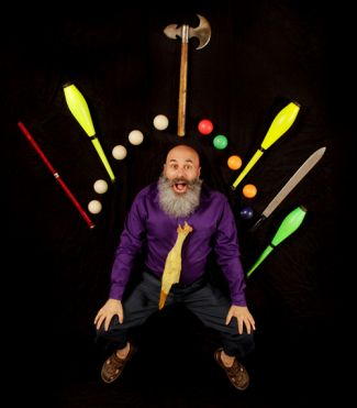 izzi juggling