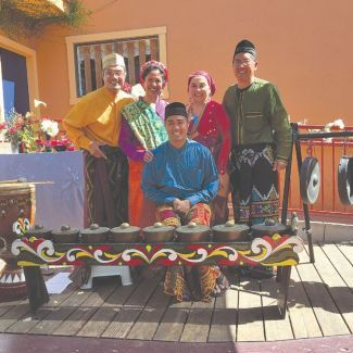 Image of kulintang gong performers Kultura Kapua