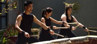 photo of taiko drummers from Jiten Daiko