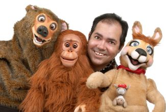 photo of ventriloquist Tony Borders and his animal puppets